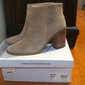 Steve Madden Taupe Suede Booties, New, size 11